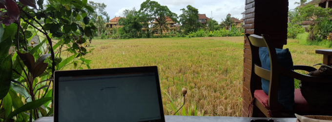 My digital nomad guide for picking a destination & accommodation when traveling the world